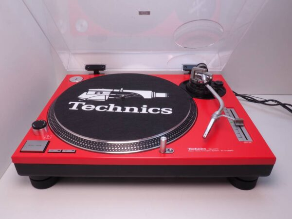 Technics 1210 red edition